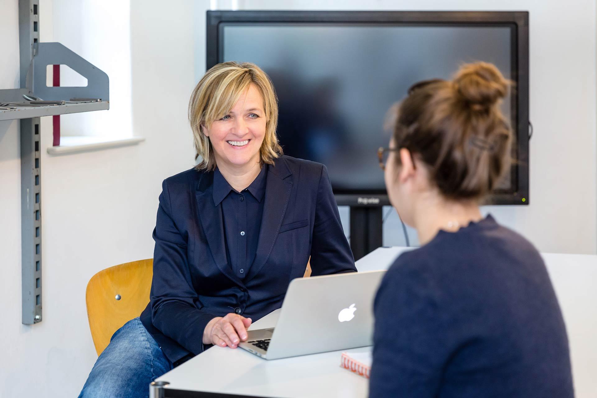 besprechung-meeting-businessfotos-fuer-selbstaendige-berlin