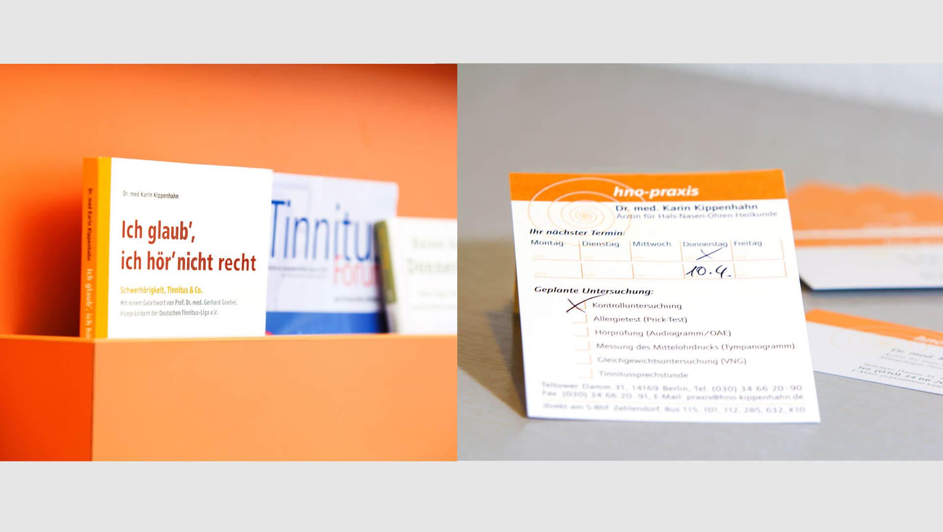 details-praxisfotografie-terminzettel-buecherregal