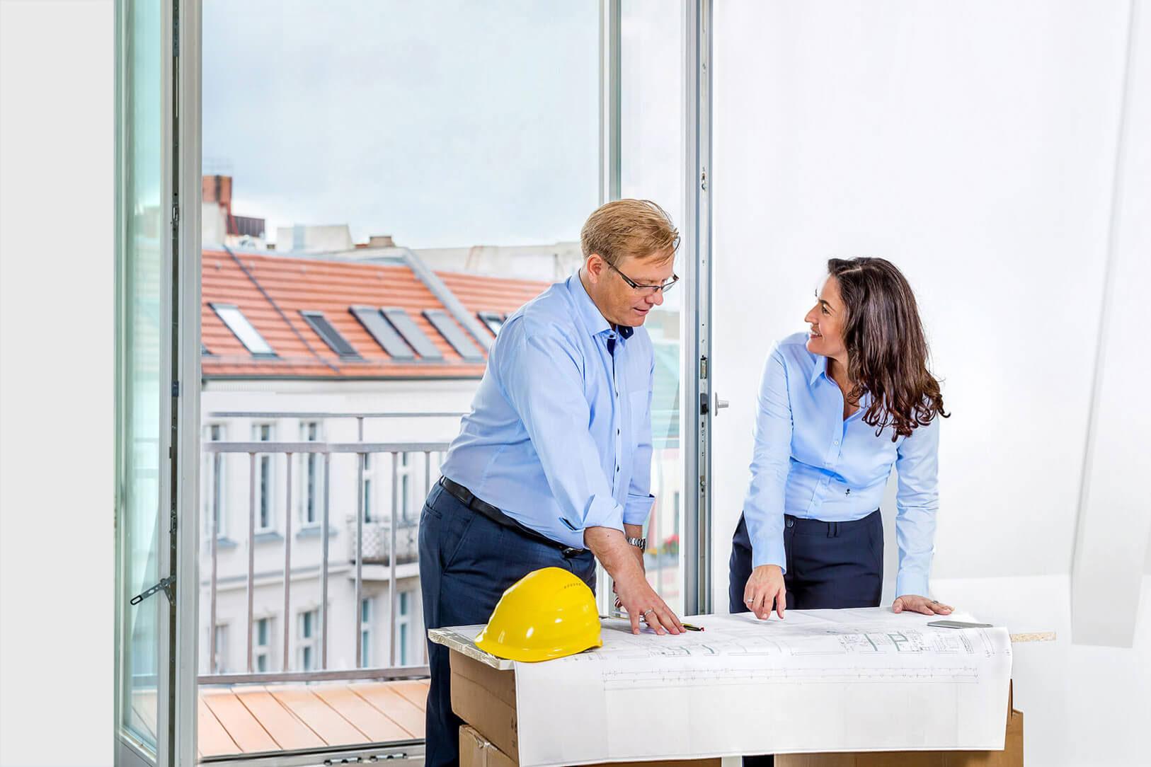 businessfotos-berlin-immobilienfirma-besprechung-arbeitssituation