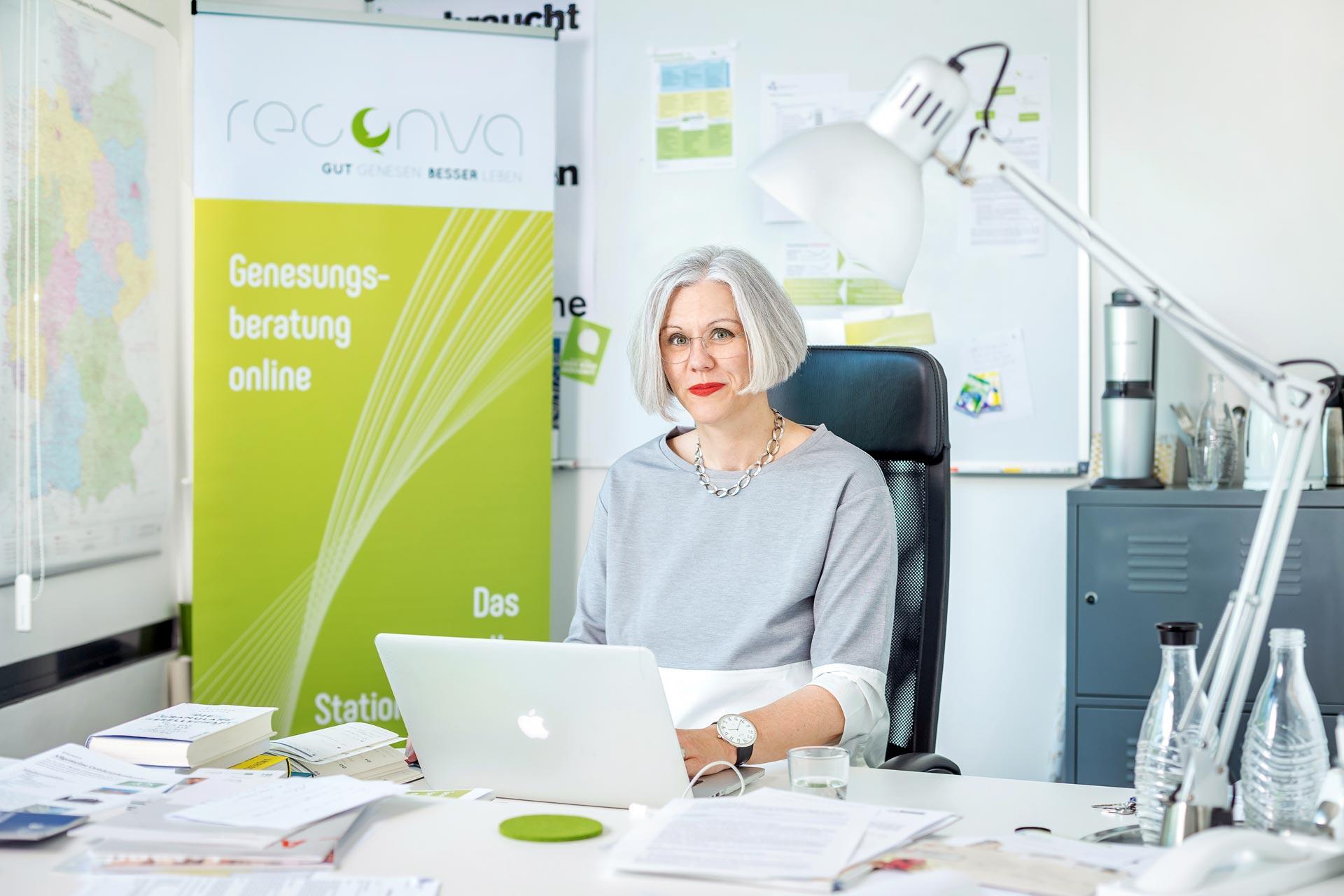 corporate-fotografie-genesungsberatung-online-start-up-gruenderin-ceo
