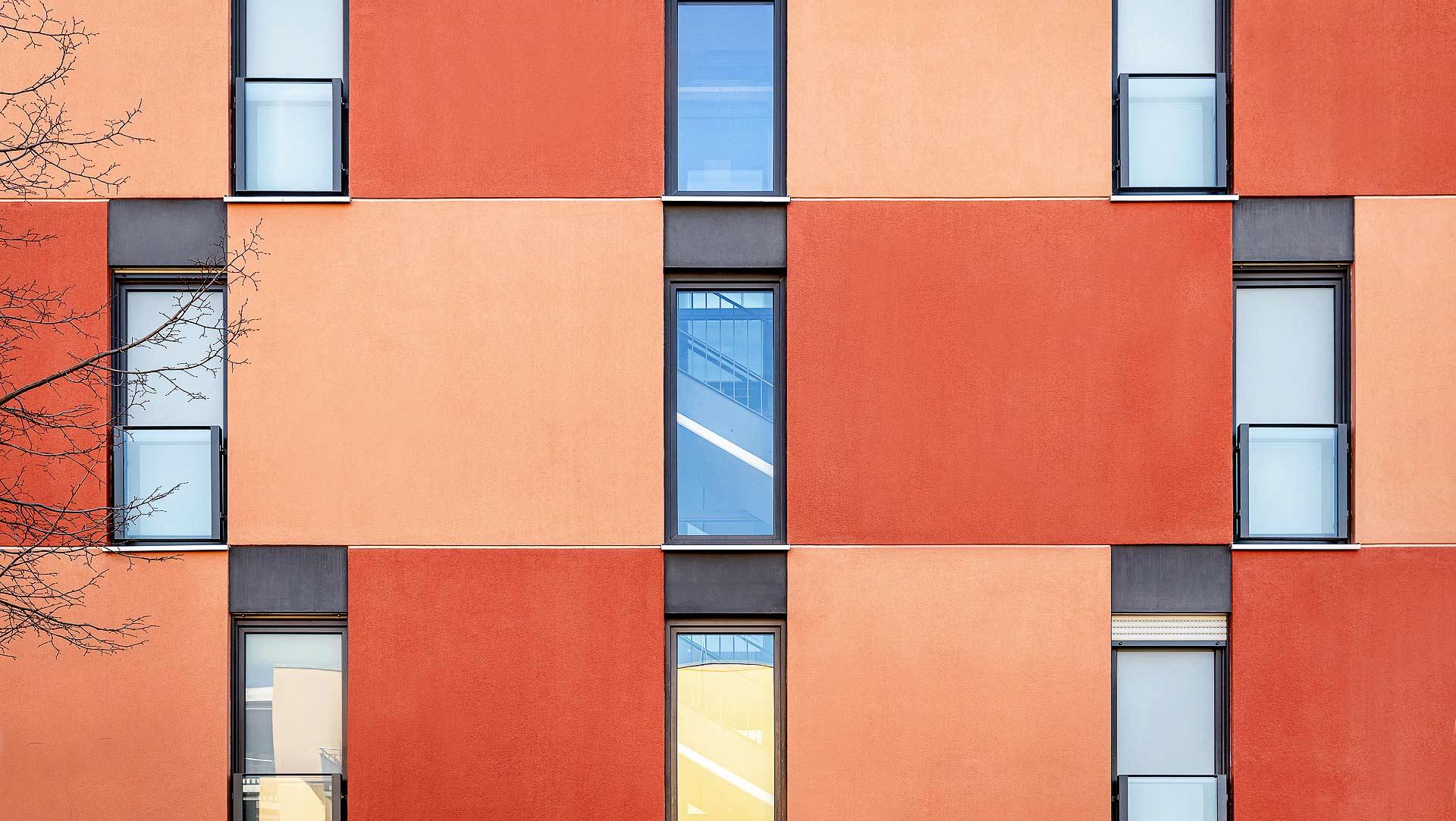 detail-gebaude-fassade-geometrien-farbflaechen