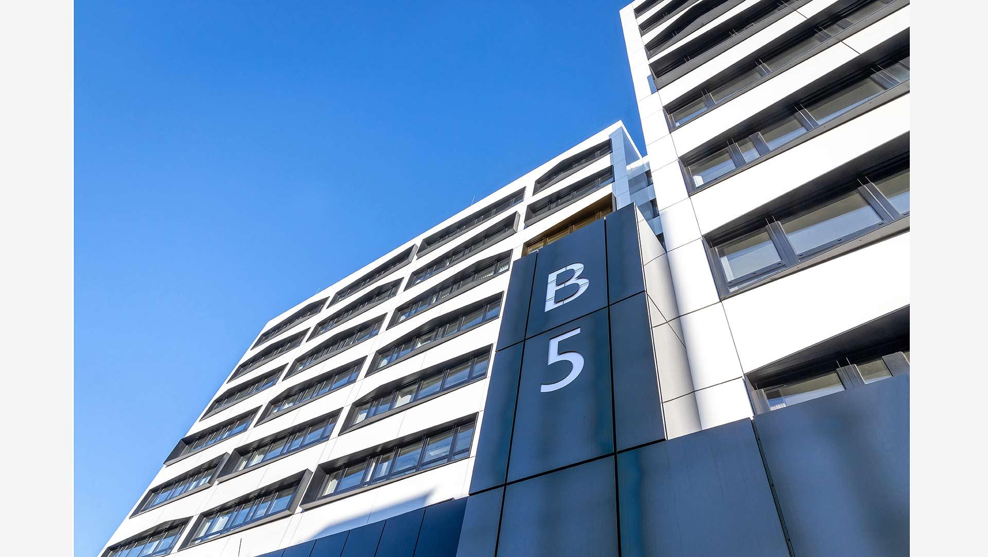 architekturfotos-berlin-gebaeudefotos-dynamische-perspektive